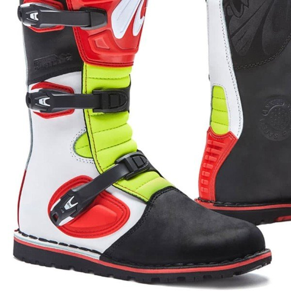 Boots Trial FORMA Boulder White Red