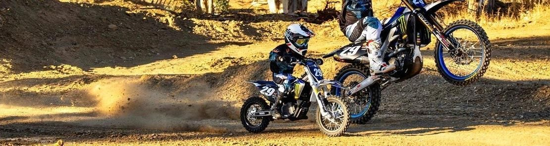 Abbigliamento motocross bambino e caschi minicross.